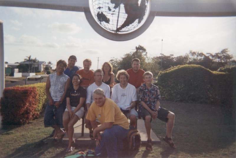 bundaberg_aqua_scuba_team_and_me_sep_04.jpg