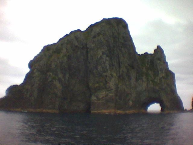 Hole_in_rock2.jpg